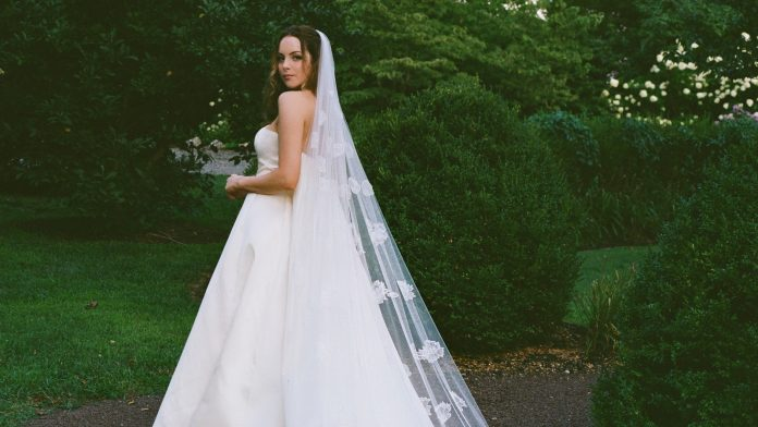 Actress Elizabeth Gillies drove a motorhome to her wedding on a charming New Jersey farm