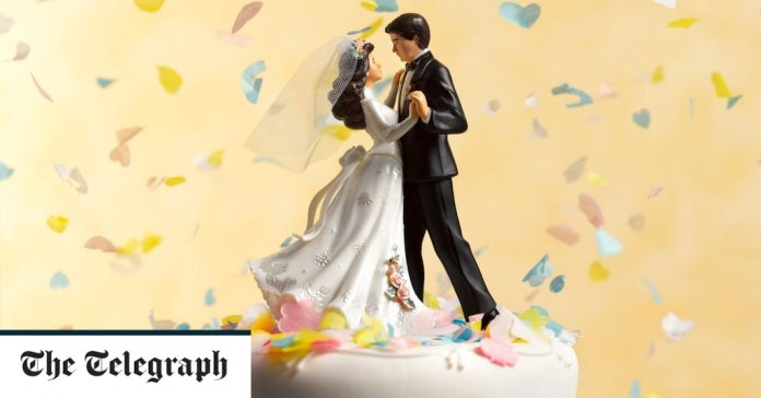 Should I cancel my wedding in 2021?  Latest Covid-19 rules and advice for your big day
