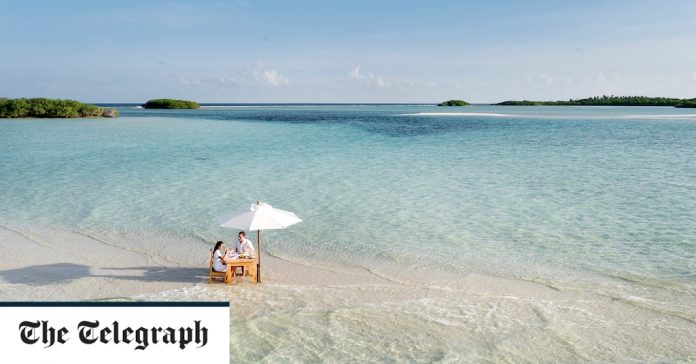 All Seasons Honeymoon: A Lovers Guide To The World's Most Romantic Destinations - And When To Go To Them