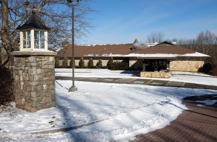 Wolcott wedding venue customers feel confused.  Customers cannot receive a refund or contact the owner after cancellations