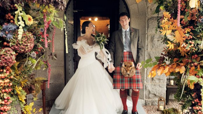 How this bride planned her own micro wedding in the Scottish Highlands