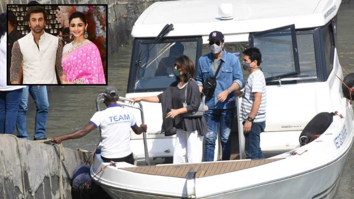 Ranbir Kapoor and Neetu Kapoor are looking for wedding venues?  Mother-son duo at the Gateway of India |  Hindi Movie News - Bollywood
