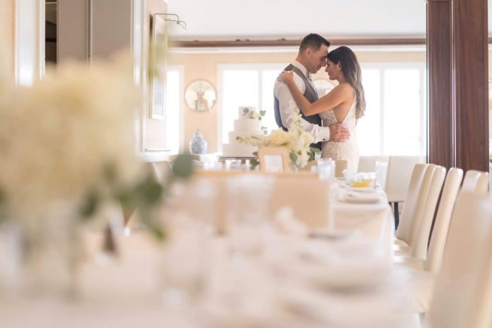 Cuomo: New York wedding venues can increase capacity up to 150 people - GreaterSayville