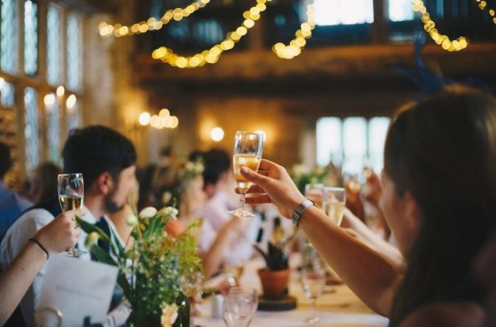Cuomo: New York wedding venues can increase capacity up to 150 people - GreaterMoriches