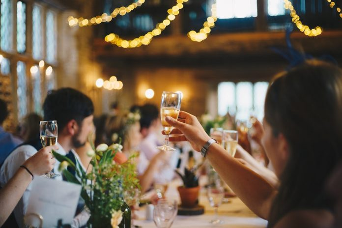 Cuomo: New York wedding venues can increase capacity up to 150 people - GreaterPatchogue