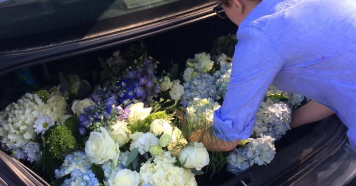 Doctor uses wedding flowers in bouquets for VCU patients