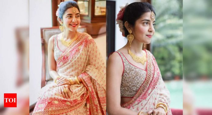 This bride is winning the internet with her simple Dhakai wedding sari